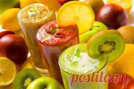 СМУЗИ: 5 РЕЦЕПТОВ ХОЛОДНЫХ ДЕСЕРТОВ  Смузи, фруктовые или овощные коктейли или десерты, – идеальная еда для лета, так как они быстры в приготовлении, полезны и очень вкусны!  1. Смузи с ананасом и имбирем.  Ингредиенты: - 150 г. ананаса - 20 г. тертого имбиря - 1 яблоко - 4 ст. ложки малины  Приготовление: Ананас нарезать кусочками, яблоко очистить от семечек и кожицы. Не забыть про тертый имбирь. Все ингредиенты смешать вместе в блендере. Смузи с ананасом и имбирем готов....