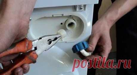 """Мастер: «Сделайте это — ваша стиральная машинка никогда не сломается!"""" Трудно представить себе современную квартиру без стиральной машины-автомата. Кладем вещи внутрь, нажимаем кнопку и через какое-то время достаем их чистыми и сухими. Для того чтобы железная помощница д…"""