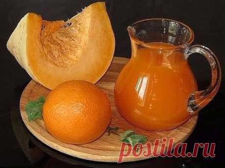 Тыквенный сок с апельсином тыква 7 кг (чистого веса, без семечек и кожуры) вода, 15 л апельсины 8 штук сахар 1,5 кг лимонная кислота 2 ст.л с горкой.Довести  до кипения,затем апельсины с кожурой  до мягкости тыквы,остынет -блендером-довести до кипения снять пену,закатать