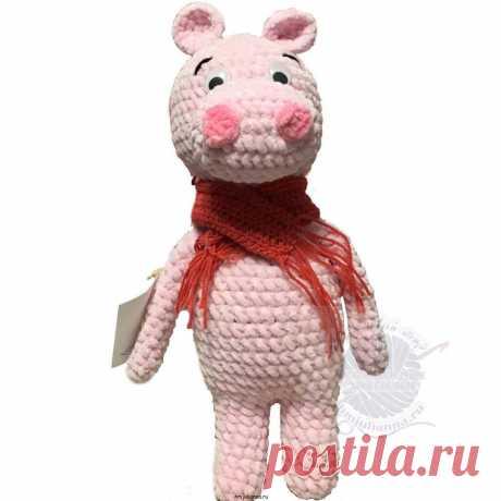 Розовый бегемотик с шарфиком, вязаная игрушка из плюша, 32 см Розовый бегемотик с красным шарфиком, вязаная игрушка из плюша, 32 см -Плюшевая игрушка бегемотик, мягкая и нежная игрушка, связанная крючком. Данная игрушка изготавливается вручную. При создании изделия используется плюшевая пряжаModame tricote Paris. Это пряжа одна из теплых и нежных, наполнено изделие холлофайберо