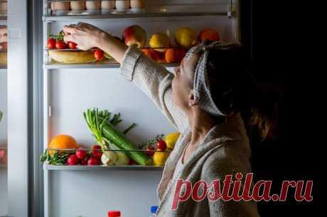 Сквозь сон к холодильнику. Чем опасен синдром «ночного едока»? Уже более 60 лет — с 1955 года — известен синдром ночного аппетита, его еще нередко называют синдромом «ночного едока». Но до сих пор пагубная привычка остаётся у многих людей на планете.