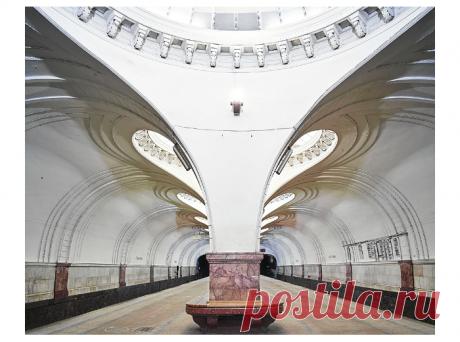 «Канадский фотограф создал невероятную серию снимков московского метро» - Сделано у нас