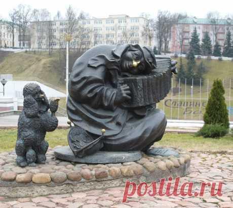 Витебск. Уличный музыкант