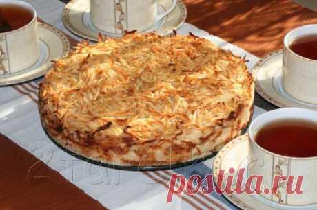 El pastel de manzana «3 vasos» — el relleno Jugoso y la corteza corrujiente de azúcar