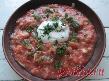 «Густой холодный суп с селёдкой!» - Для самой жары, отличная альтернатива окрошке - Пир во время езды Не знаю, откуда взята идея для рыбного супа на томатном соке? Даже не помню, когда я его начала готовить. Только помню, что вся моя семья ела и нахваливала. Прозвали его «Итальянским»; и просят, чтобы я приготовила именно итальянский суп в самую жару. И действительно, такой вариант первого блюда отличная альтернатива окрошки. Очень свежий, сытный, красивый, …