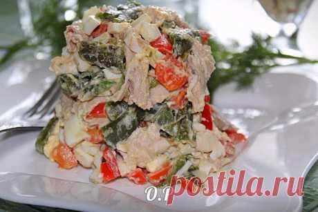 Невероятно красивый и вкусный салат «Шедевр» с курицей и болгарским перцем