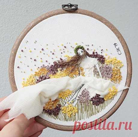 Мастерица вышивает такие НЕОБЫЧНЫЕ работы, что её персонажи выходят за пределы пялец: в одной работе умещается множество техник   Вышивка is Love   Яндекс Дзен