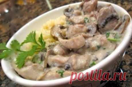 Как приготовить курица с грибами в сливочном соусе  - рецепт, ингредиенты и фотографии