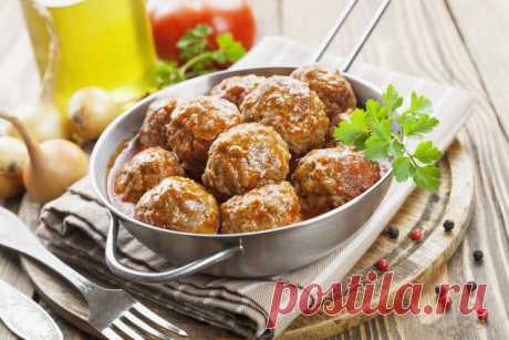 Meat dishes: dietary recipes with a photo