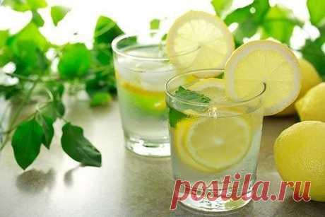 С утра стакан воды с лимонным соком..