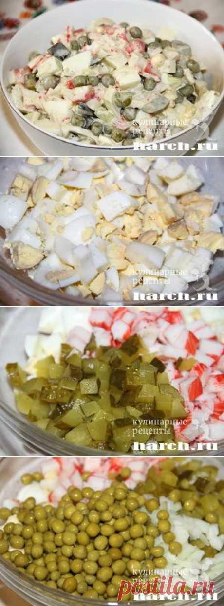 """Салат из крабовых палочек с солеными огурцами """"Новак""""."""