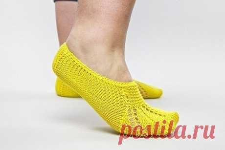 Легкие носочки-тапочки для дома из категории Интересные идеи – Вязаные идеи, идеи для вязания