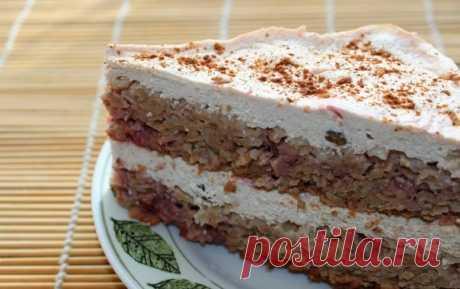 Легкий диетический творожно-овсяный торт с клубникой