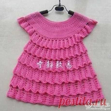 Милое платье крючком, вяжем для девочки