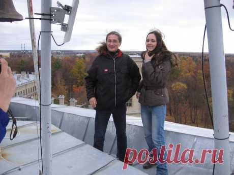 на самой высокой точке Гатчинского Дворца Валентин и Анна