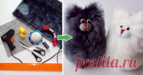 Шьём котика из квадратика Предлагаю вам сшить игрушку-погремушку из искусственного меха. Я научилась её шить много лет тому назад. Шила её из лоскутка ткани, но из меха она гораздо интереснее.