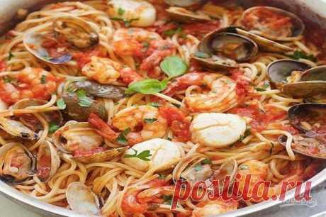 Спагетти с морепродуктами в томатном соусе - пошаговый рецепт с фото на Повар.ру