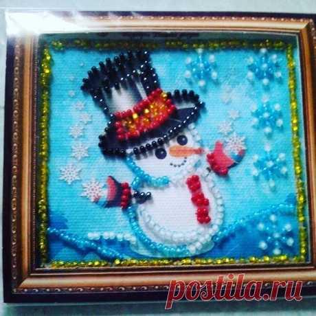 """магнит на холодильник """"С НОВЫМ ГОДОМ"""". #хобби #вышивкабисер #рукоделиедлядома #новыйгод #магниты #ergieva8124"""