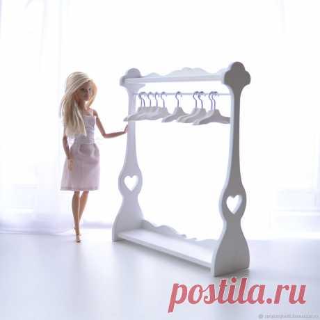 Напольная вешалка для кукольной одежды – заказать на Ярмарке Мастеров – ITO0DRU | Мебель для кукол, Самара Напольная вешалка для кукольной одежды в интернет-магазине на Ярмарке Мастеров. Напольная вешалка для кукольной одежды  - выполнена из берёзовой фанеры; - окрашена акриловой краской на водной основе; - цветовая гамма каркаса может быть любой.  Плечики не входят в стоимость.