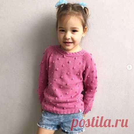 Как связать красивый пуловер для девочки спицами