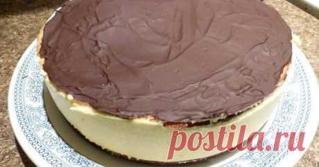 Буквально вчера приготовила и делюсь рецептом. Отличная альтернатива желе: торт со сгущенкой без выпечки.
