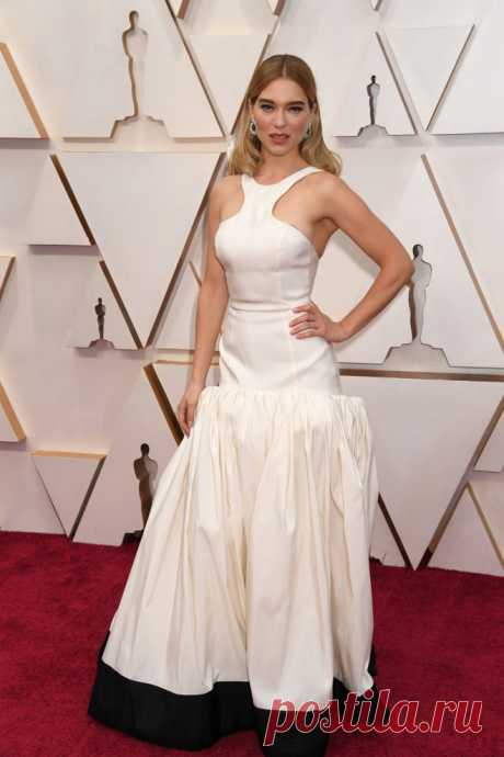 Парижанки выбирают для «Оскара» белый | VestiNewsRF.Ru