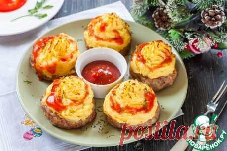 """Рецепт на выходные. Котлеты """"Хасан-паша""""  Существует несколько вариантов приготовления этих котлет, два из них представлены на сайте. Я покажу еще один, очень вкусный рецепт этого турецкого блюда - с теплым тягучим сыром в качестве начинки. …"""