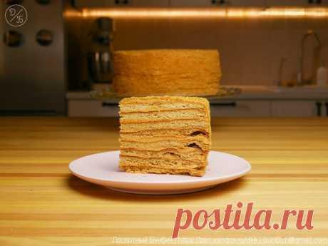 Подсмотрел, как теща из подручных продуктов приготовила медовый торт. Она называет его «Рыжик» | Десертный Бунбич | Яндекс Дзен