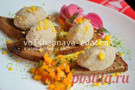 El picadillo de arenque. 2 recetas: el picadillo de arenque del arenque por-odesski y el picadillo de arenque hebreo del arenque sin manzana