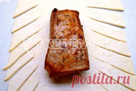 Мясо в слоёном тесте