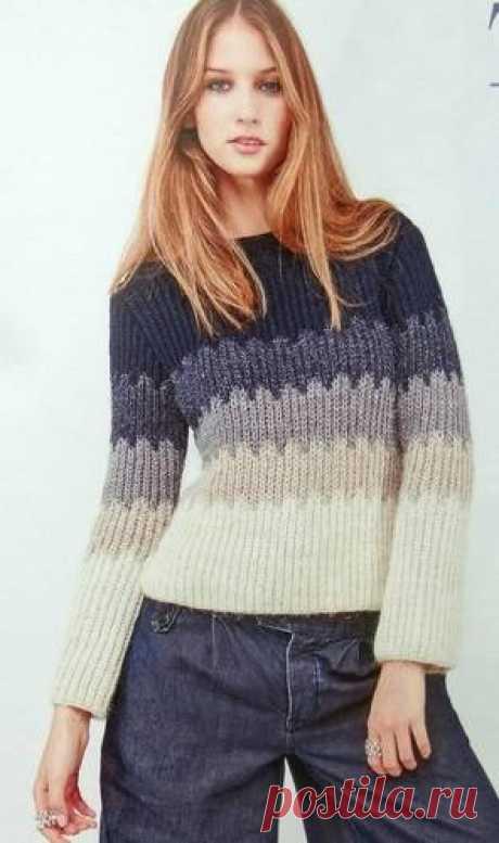 Пуловер фантазийным узором.