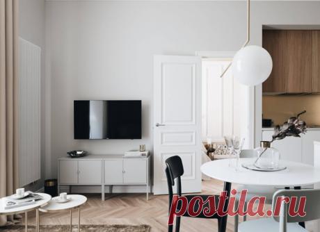 Когда-то в этой квартире жили писатель Иван Тургенев и композитор Петр Чайковский, в советское время — балерина Галина Уланова