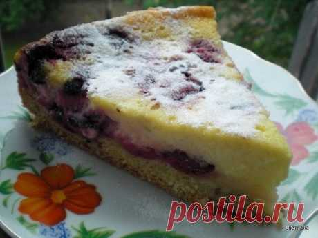 Как приготовить песочный ягодный пирог со сметанной заливкой - рецепт, ингредиенты и фотографии