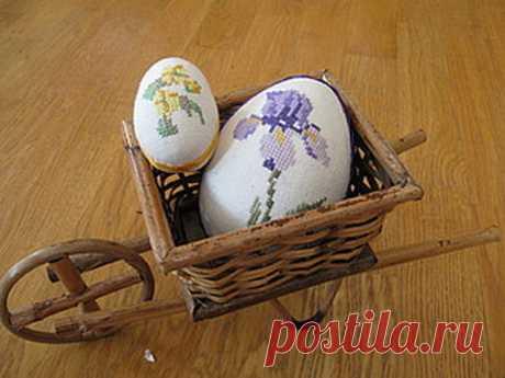 Мастер-класс : Вышитые пасхальные яйца Вышивка крестиком, красиво и понятно