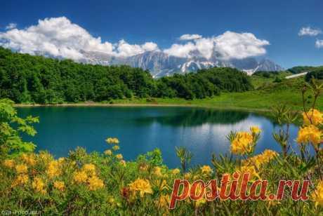 Озеро Хуко, Россия. Автор фото — Олег Раевский: nat-geo.ru/photo/user/242881/