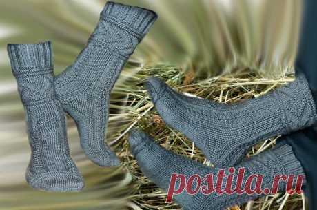 Как связать спицами носки Глэдис - описание вязания и схемы узоров