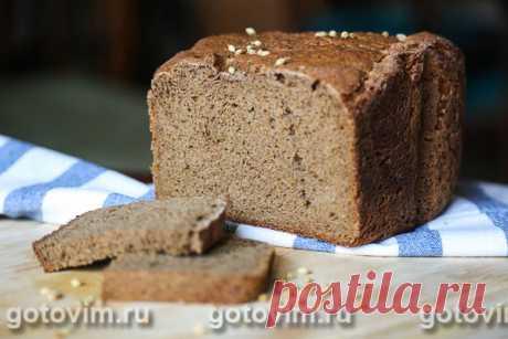 Ржаной заварной хлеб. Рецепт с фото Ржаной заварной хлеб готовится из смеси ржаной и пшеничной муки с добавлением солода. Солод перед добавлением в тесто заливают кипятком и оставляют набухать. Вместо сахара я использую мед, и лучше выбирать темный гречишный. В сочетании с добавленным в тесто молотым кориандром, медовый аромат в ржаной выпечки будет весьма кстати.