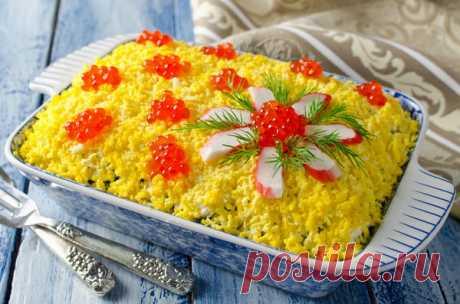 Как приготовить и оформить праздничные салаты на 8 Марта