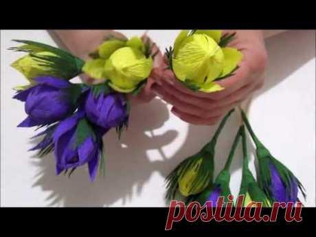 Цветы из гофрированной бумаги с конфетой. Весенний цветок из гофрированной бумаги.