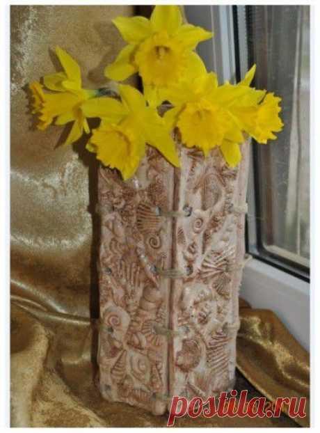 Декоративная ваза из гипса в морском стиле