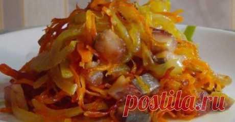 Невероятный салат с селедочкой: варите срочно картошку