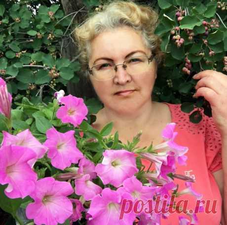Шикарные петунии! Какие сорта я буду точно выращивать в следующем году, а от каких откажусь Шикарные петунии! Какие сорта я буду точно выращивать в следующем году, а от каких откажусь Собери букет цветов. Узнай название цветов, красивые цветы для любой девушки. Какие растения цветы, а какие нет. Сделай цветник своими руками и проверь как посажены цветы.