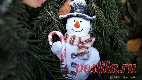Мастерим новогоднюю игрушку: снеговик из папье-маше | Журнал Ярмарки Мастеров Мастерим новогоднюю игрушку: снеговик из папье-маше – бесплатный мастер-класс по теме: Do It Yourself / Сделай сам ✓Своими руками ✓Пошагово ✓С фото