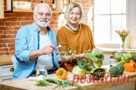 Как питание влияет на скорость старения В США провели уникальный эксперимент на людях: 8 недель диеты из доступных продуктов, хороший сон и умеренная физическая нагрузка снижали биологический возраст на 2 года.