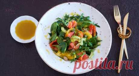 Салат с копченым лососем, авокадо и соленым лимоном - ПУТЕШЕСТВУЙ ПО САЙТУ. Самый необычный ингредиент в этом салате – соленые лимоны. Они потребуют определенной сноровки в приготовлении, но без особых сложностей. Лосось, авокадо и лимон прекрасно сочетаются и смотрятся вместе в одном блюде. И уж, конечно, этому трио не помешает немного зелени в виде шпината и рукколы. ИНГРЕДИЕНТЫ 300 г тонких ломтиков …