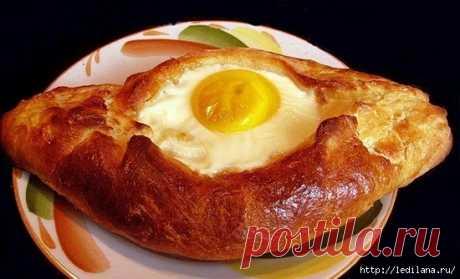 Аджарские хачапури с яйцом. Нравится всем!