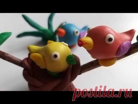 Лепим птичку из пластилина, полимерной глины, а также мастики.