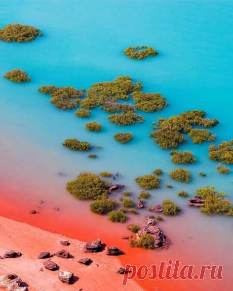 Брум, Австралия.