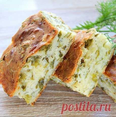 Деревенский сырный пирог с зеленым луком