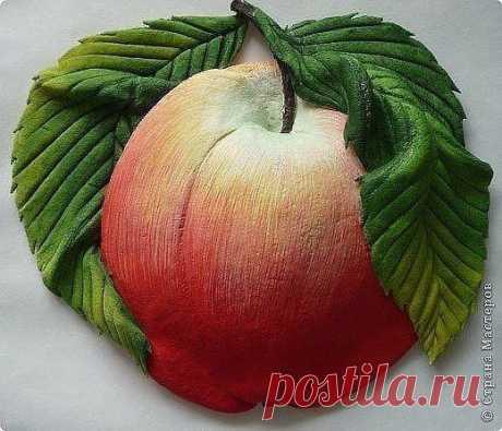 Лепим и раскрашиваем яблоки из соленого теста